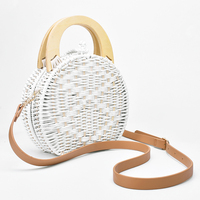 2019 Woman fashion Wooden Handle Rattan Knit Bag Camel white New Straw Bag Shoulder Messenger bag