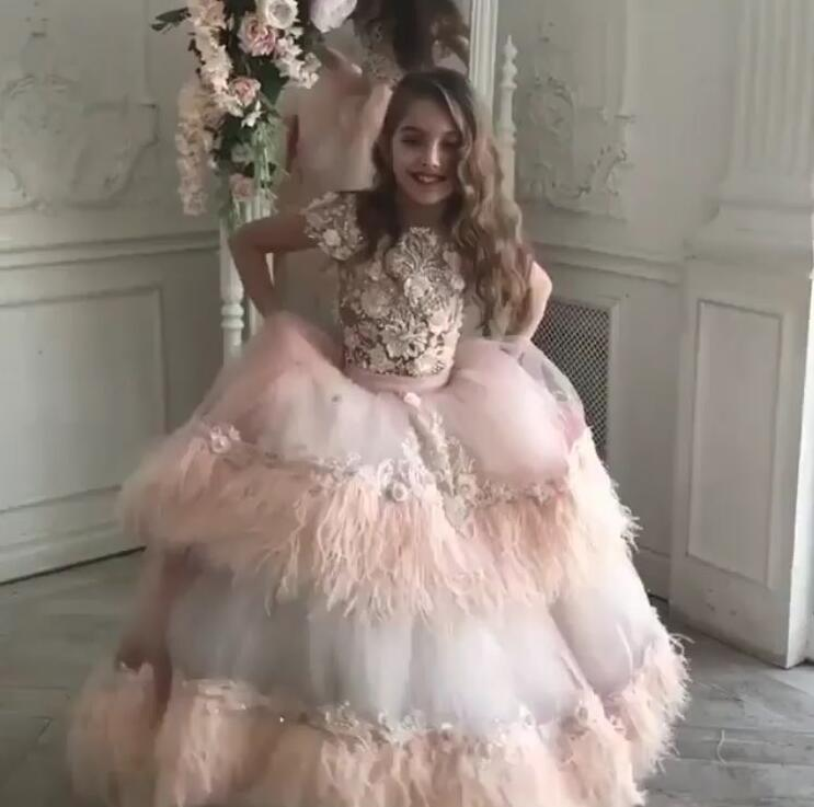 High Quality Customized Girls Pageant Gown Lace Feather Little Girls Birthday Party Gown Flower Girl Dresses for WeddingHigh Quality Customized Girls Pageant Gown Lace Feather Little Girls Birthday Party Gown Flower Girl Dresses for Wedding