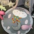 Beddingoutlet cordeiro quente rodada cinza tapete tapete quarto dos miúdos dos desenhos animados impresso pacote de armazenamento de brinquedo rastejando tapetes 100% algodão diâmetro 150 cm