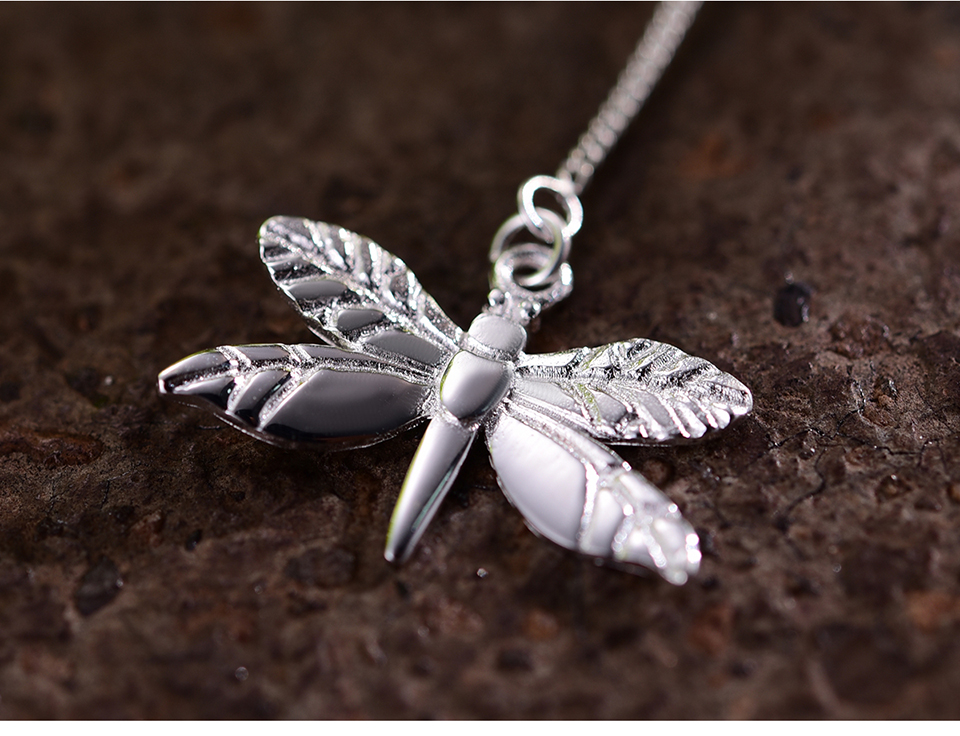 LFJF0015-Cute-Dragonfly-Leaves-Necklace_07