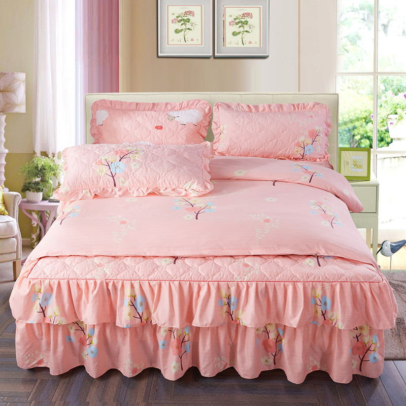 4Pcs Cotton Quilted quilting luxury bedding sets queen king size duvet cover set bed skirt set pillowcase bedclothes 4Pcs Cotton Quilted quilting luxury bedding sets queen king size duvet cover set bed skirt set pillowcase bedclothes