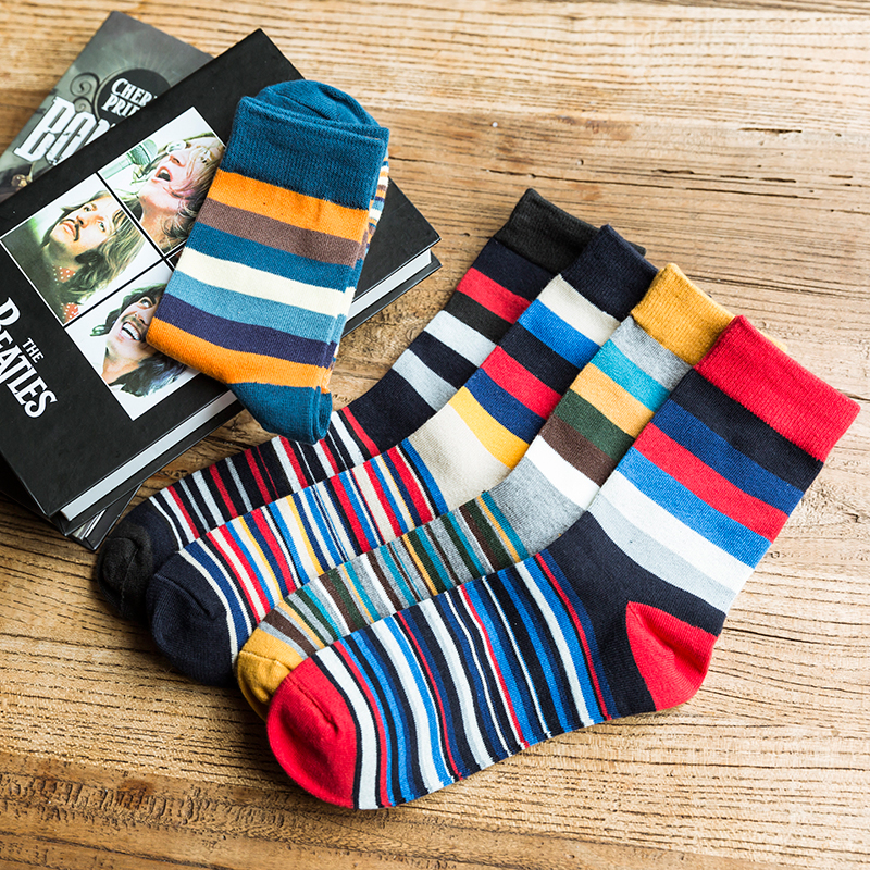 Latest Autumn And Winter 2016 Men's Socks  Casual Socks  Colored Stripes High Quality Combed Cotton