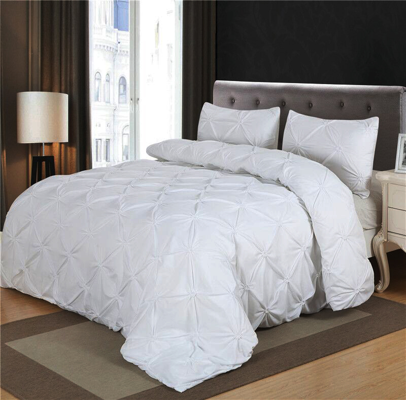 Luxurious Comforter Set White Black Grey Pinch Pleat Queen Size