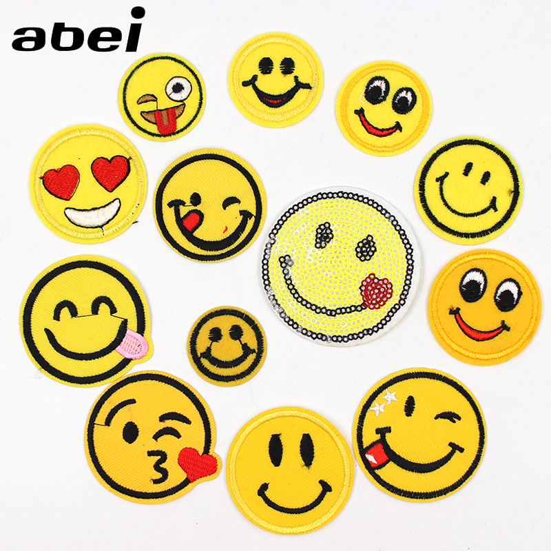 1PC Cartoon Funny Smile Face Patches Embroidered Iron On Emoji expression Stickers Jeans Clothes Sew Badge DIY Appliques
