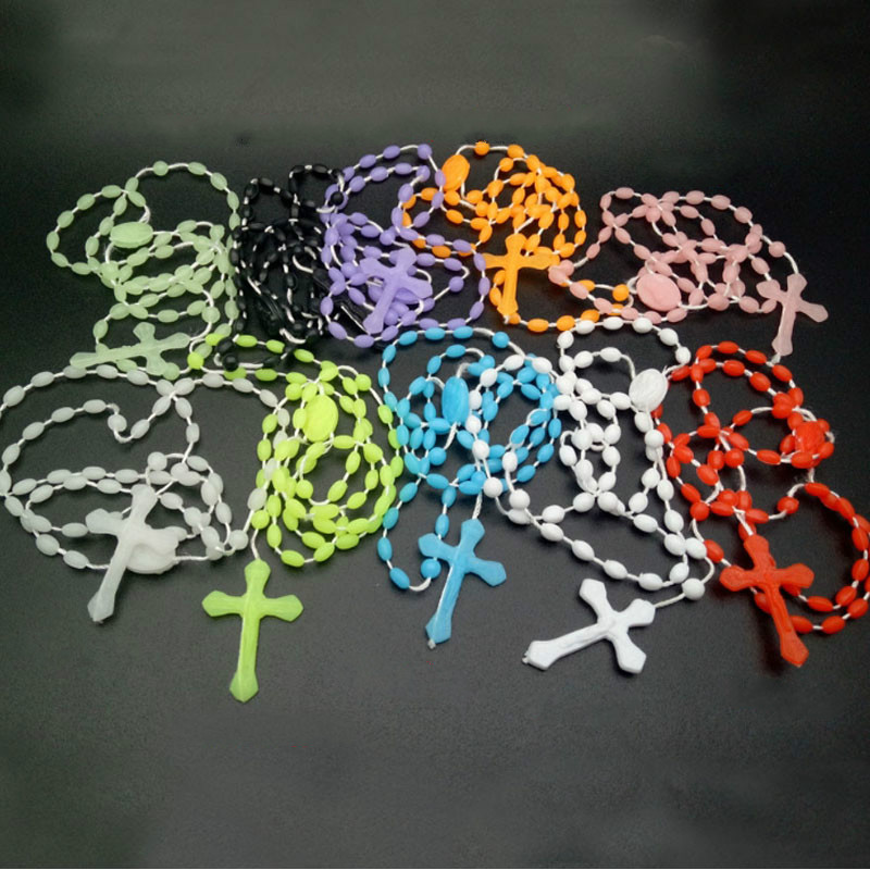 7pcs/pack <font><b>Glow</b></font> <font><b>in</b></font> <font><b>Dark</b></font> Plastic Rosary Beads Luminous Noctilucent <font><b>Necklace</b></font> Catholicism Religious Jewelry Color Randomly collares image
