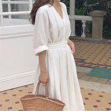 0078c2087 Colorfaith جديد 2019 النساء فساتين الربيع الصيف القطن الكتان legant السيدات  مطوي طويل الأبيض فساتين V