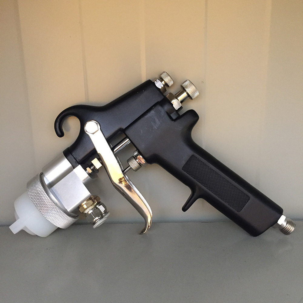 цена на SAT1182 Double Nozzle Spray Gun Pressure Feed Air Sprayer Air Brush Dual Nozzle Chrome Plate Paint Gun Pneumatic Car Painting