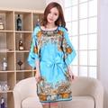 Sexy Lady Blue Vestido de Bata de Satén Chino Mujeres Sueltan la ropa de Dormir Camisón Albornoz Kimono Kaftan Vestido de Flores Más Tamaño NB057