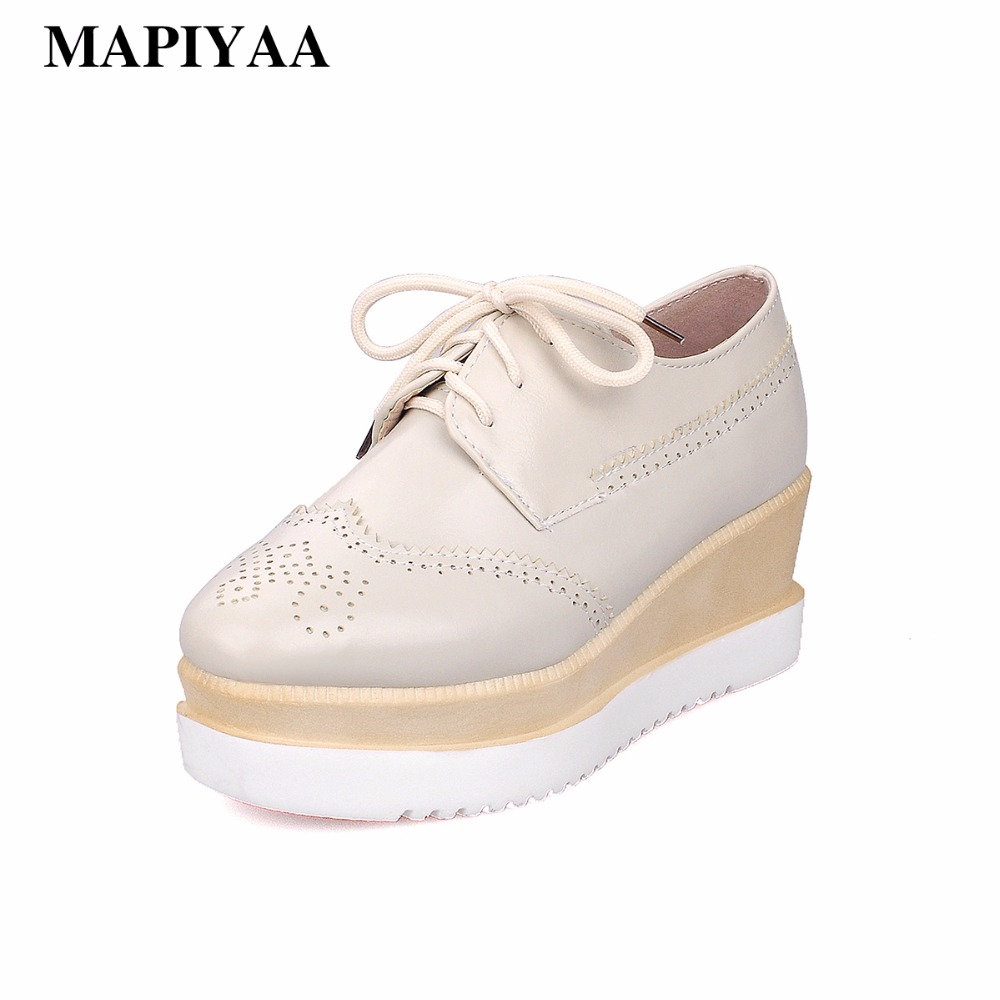 Women Platform Oxfords Brogue Flats Shoes PU Leather Slip On Pointed Toe Flats Brand Female Wide Foot Shoes For Women Creepers qmn women crystal embellished natural suede brogue shoes women square toe platform oxfords shoes woman genuine leather flats