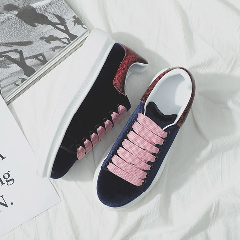 2019 new casual versatile flat bottom platform fashion lace womens shoes.2019 new casual versatile flat bottom platform fashion lace womens shoes.
