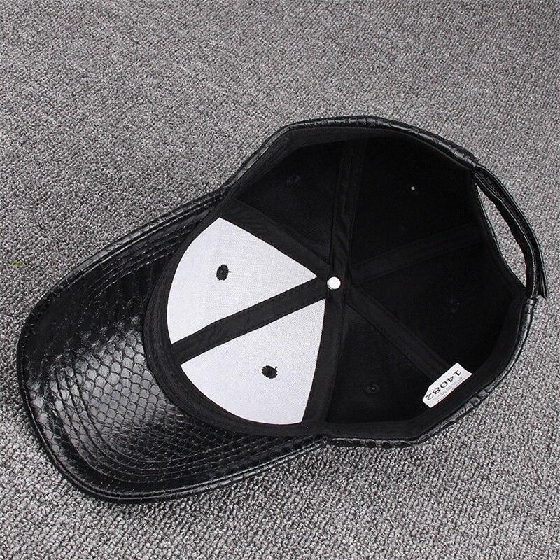Moda de alta calidad PU serpiente cuero gorras de béisbol para hombres  mujeres sólido negro imitación cuero gorra Casual Snapback venta al por  mayor ae6805ffe7e