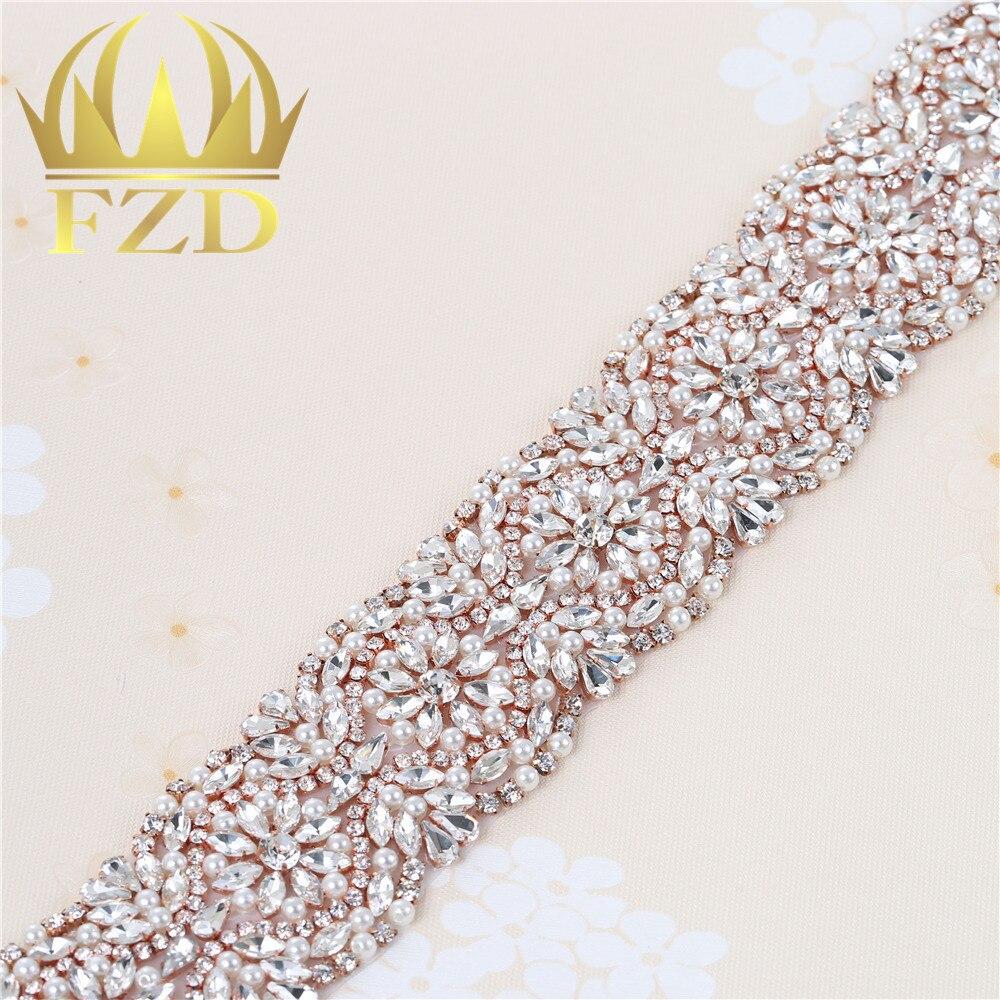 (1 yard) Fissaggio in rilievo Hot Sereno Bling Cuce sul Cristallo  Applicazioni di Perline Fatti A Mano Trim per il Vestito Da Sposa Cintura  Fasce ... 33df567467d