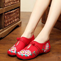 Chaussure Femme Vintage Floral Embroidery Shoes Woman Chinese Loafers Zapatos Mujer Sapato Feminino Soft Sole Canvas Flats 35-40