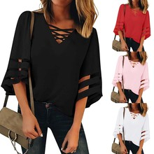 Women's Trumpet Sleeve V-neck Color T-Shirt Top Mesh Panel 3/4 Bell Sleeve Casual Loose Top Shirt Elegant 6.3 недорого