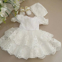 Sparkly Crystals Lace Short Baby Girls Baptism Outfit Heriloom Dress Christening Gowns With Bonnet And Sleeves