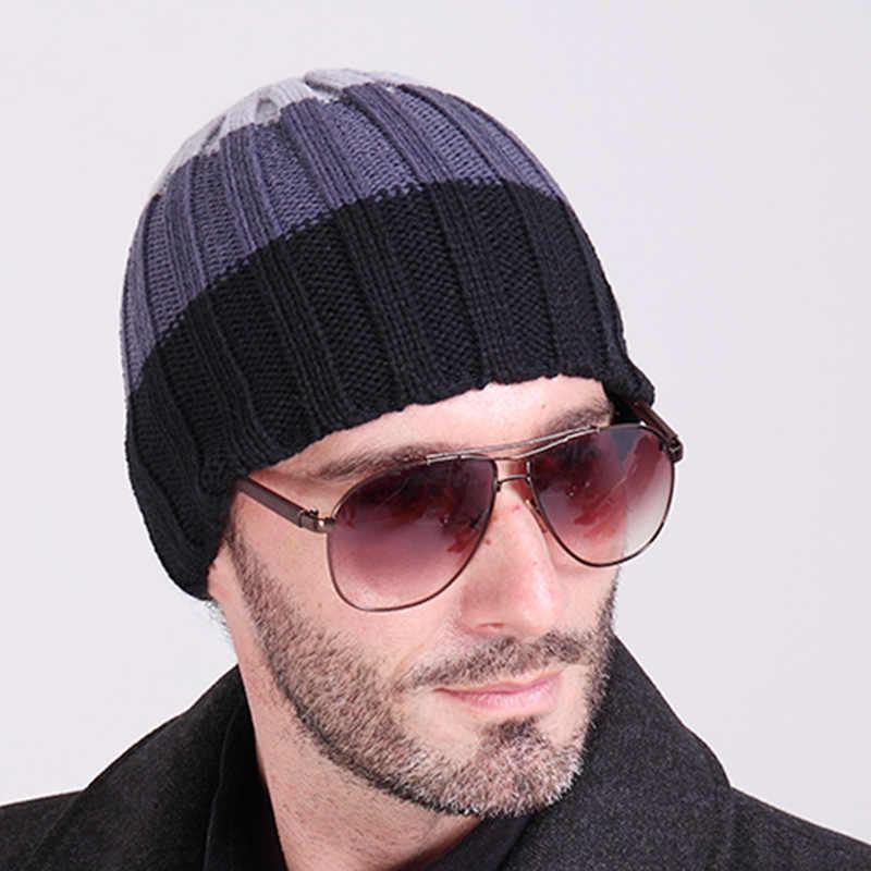 Gorros de marca 2018 sombrero de invierno de moda para hombre gorro de  punto Casual gorras c58db5a08a0