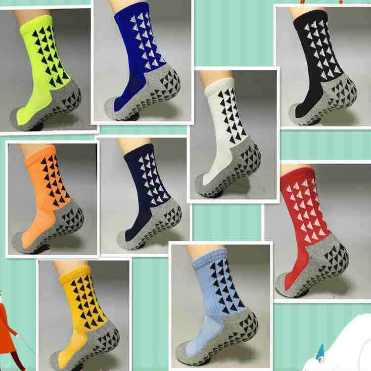 88e5cd511c2c Unisex Triangular Anti Slip Football Socks Men Cotton Soccer Socks New  Sports 2017 (The Same