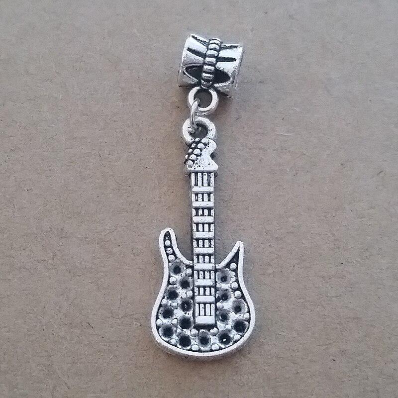 ciondolo pandora chitarra