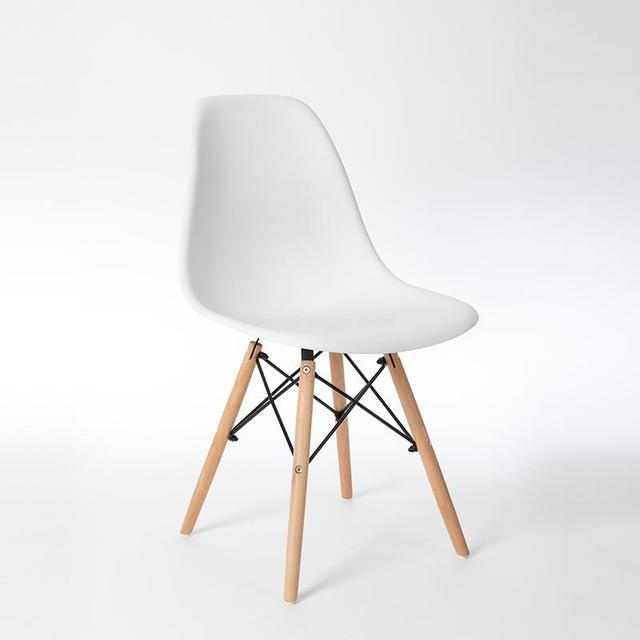Simple Nordic Chair