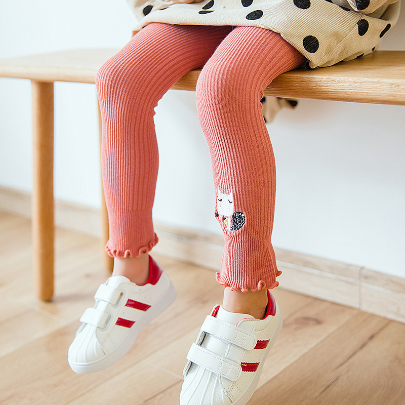 2018 New Spring Korean Childrens Panty Hose Embroidered Cartoon Animals Cropped Pants Candy Colors Girls Leggings