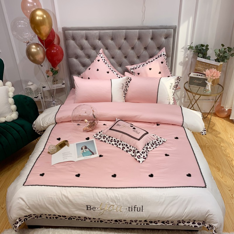 Luxury Embroidery Egyptian cotton Wedding Bedding sets Queen King  Duvet cover Bed sheet Pillowcase pink Leopard 4pcs bedclothesLuxury Embroidery Egyptian cotton Wedding Bedding sets Queen King  Duvet cover Bed sheet Pillowcase pink Leopard 4pcs bedclothes