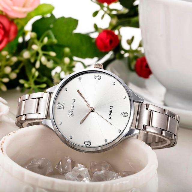 Luxury Geneva Brand fashion gold Silver watch women ladies men Crystal Stainless
