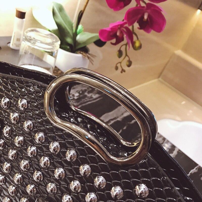 Sa Для женщин кожа Сумки 2018 мода камень узор сумка Роскошные Леди заклепки Курьерские сумки брендов бриллиантами плечевой Ba