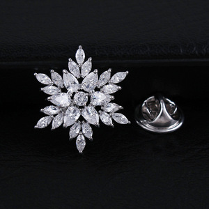 CINDY XIANG Cubic Zirconia Flower Brooches For Women And Men Unisex Fashion Coat Collar Brooch Copper Material Elegant Small Pin