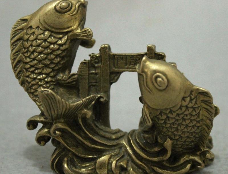 China Pure Brass Auspicious 2 Lovely Fish Carp Cyprinoid Jump Dragon Door Statue