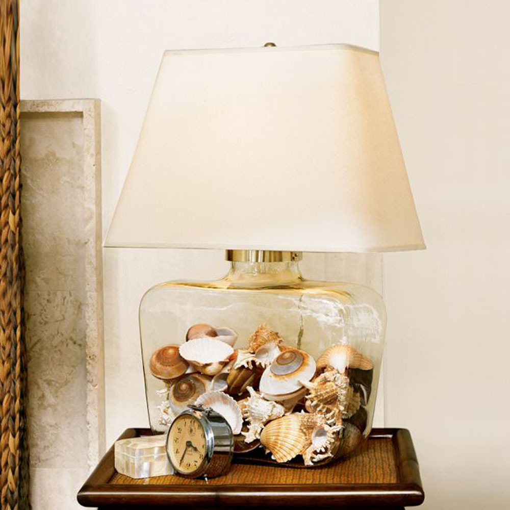 Large clear glass vase: Large vase in textured clear glass with a  gold-coloured rim. Diameter of opening 9 cm, diameter of vase approx.