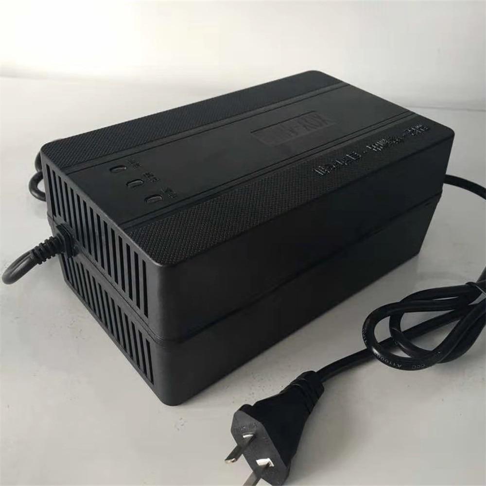 CLEN 72V5A Astuto caricabatteria per batterie al piombo-acido, AC 220 V soloCLEN 72V5A Astuto caricabatteria per batterie al piombo-acido, AC 220 V solo
