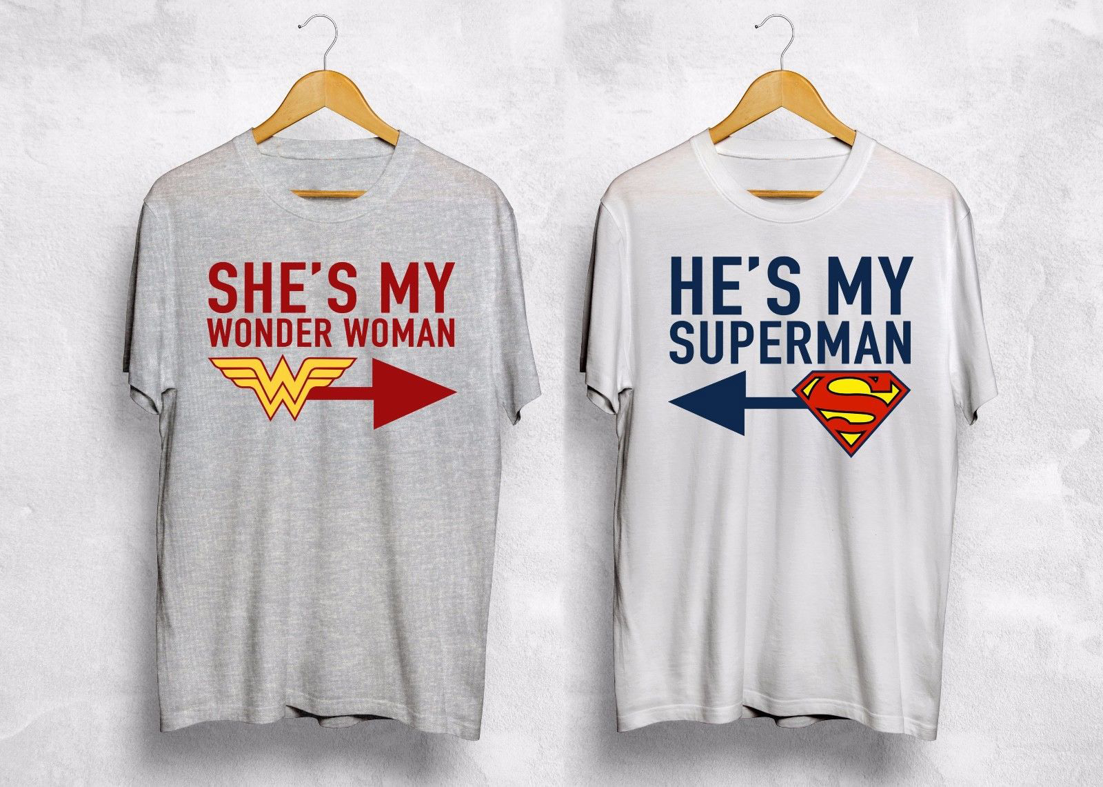 Он мой Супермен Shes мой Wonder Woman футболка пару Валентина подарок Wifey муженек хлопок короткий рукав Футболка мужская Повседневное Топ футболка