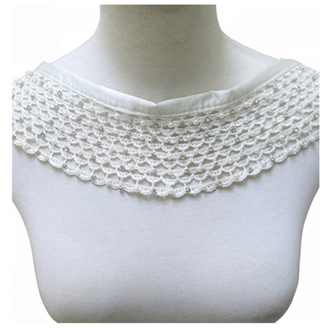 1fc7a623aa85 1 piezas bordado con cuentas de diamantes imitación Collar encaje escote  cuello en V apliques coser accesorios tela