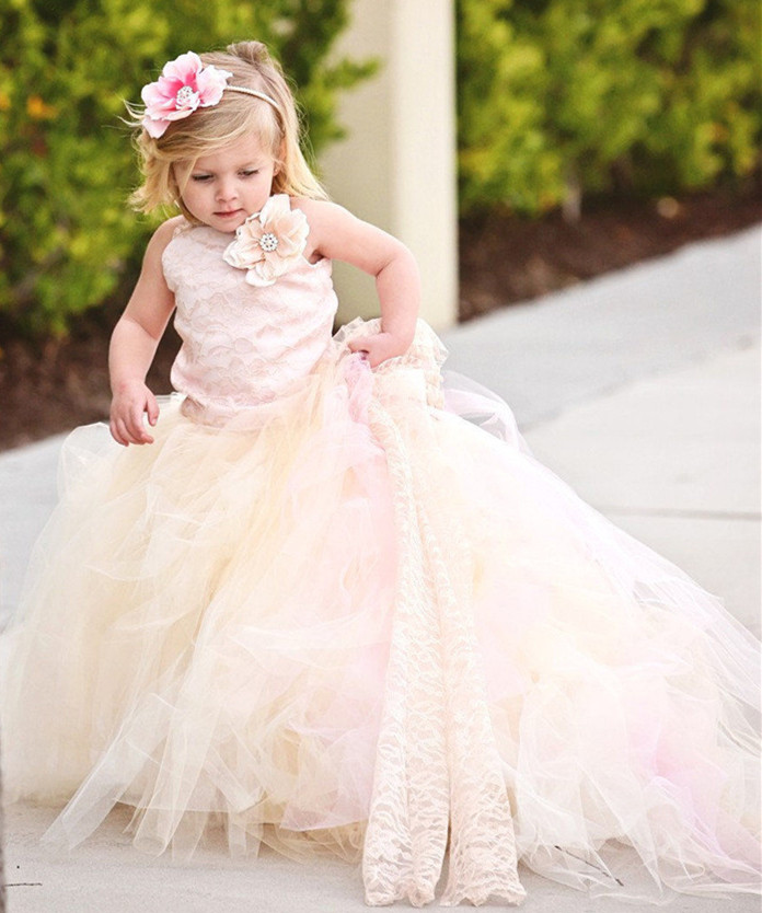 2017 New Flower Girls Dresses Tulle Lace Top Spaghetti Formal Kids Wear Little Girls Birthday Gown First Communion Dress sheer long sleeves lace flower girls dresses jewel neck corset back kids formal wear birthday party first communion gown