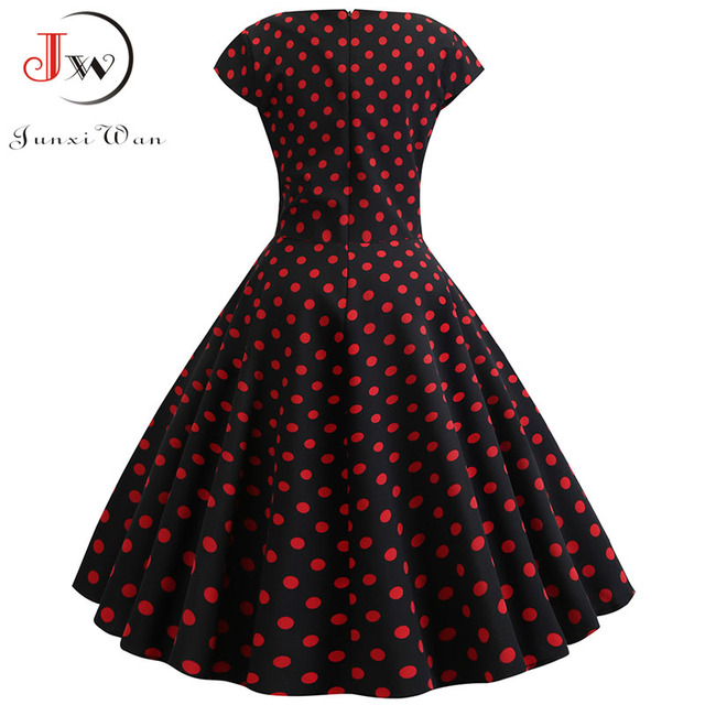 classic shape and gorgeous print dress. casual and elegant at once  also pettiskirts 2