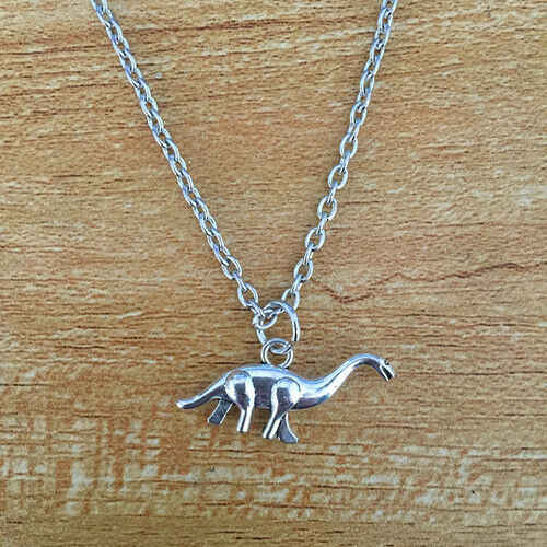 New Style Ancient Silver Apatosaurus Dinosaur Charm Pendant Necklace Women Men Couple Jewelry Personality Creative Holiday Gift