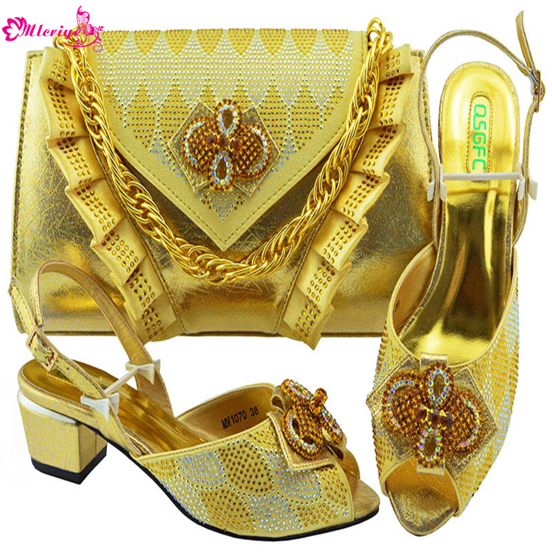 Latest Ladies Sandals with Heels Nigerian Women Wedding Shoes and Bag Set Decorated with Rhinestone Womens Dress Shoes Open Toe