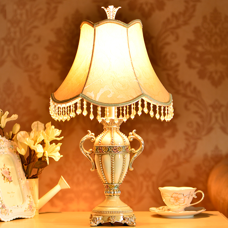 ФОТО Antique Living Room Study Room Retro Vintage Table Lamp Old Fashion Resin Table Lamp