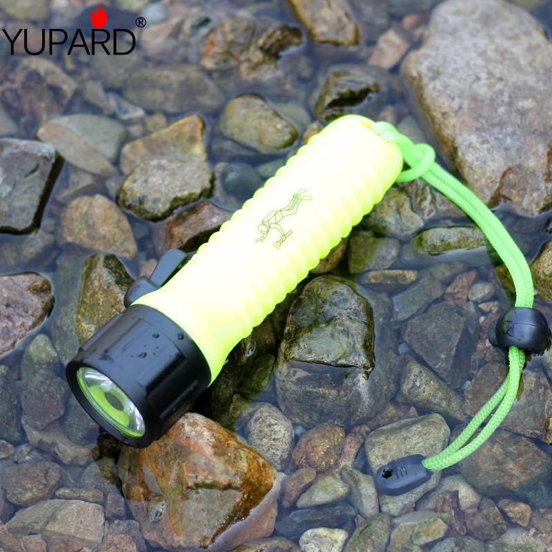 YUPARD 20m Waterproof Underwater diver Diving Q5 LED Flashlight Torch Lamp white yellow light AA battery fishing camping hunting underwater 18650 diving flashlight led torch t6 u2 yellow l2 lamp waterproof fishing light lamp by rechargeable battery
