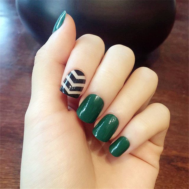24 pcs/set Dark green black lines short paragraph fake fingernails ...