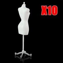 10 TEILE/LOS 22cm Weiß Display Halter Baby Spielzeug Kleid Kleidung Kleid Mannequin Modell Stehen für Mädchen Möbel Puppe Stehen