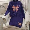 Модные Вышитые Бабочки Шаблоны Женщины Зимние Куртки и Юбки 2 шт. Костюм 2017 Женская Мода Вязание Одежды Костюмы 1232