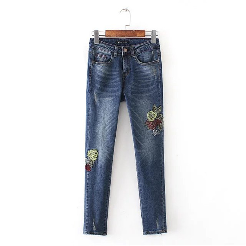women bottom Holes Flower embroidery jeans female blue casual denim pants capris 2017 spring Pockets Vintage skinny jeans flower embroidery jeans female light blue casual pants capris 2017 spring autumn pockets straight jeans women bottom