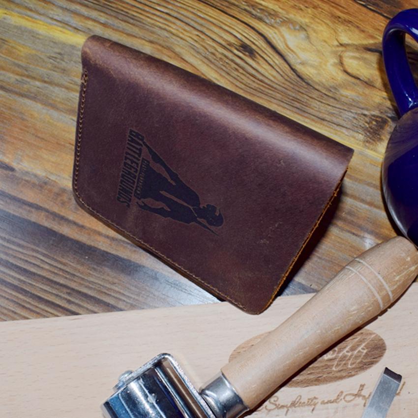 A wallet A08