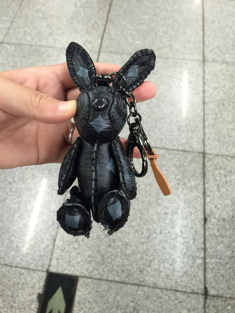 Black Leather Bunny Keychain Mink Fur Real Leather Punk Keyring Luxury Bag Accessories Handbag Charm Packback Charm Purse Charm