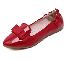 New Pigskin woman flat shoes Patent Leather women's Boat shoes Tip Slip-On Bowtie shoes women Casual Loafers
