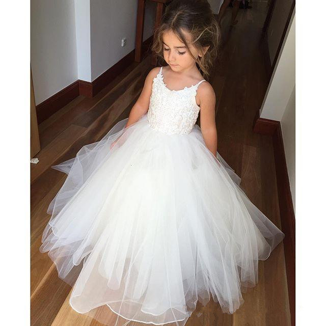 White 2019   Flower     Girl     Dresses   For Weddings Ball Gown Spaghetti Straps Tulle Lace Long First Communion   Dresses   For Little   Girls