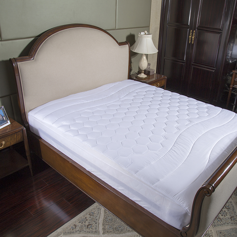 White Bed Protection Pad, Quilted Mattress Protector, Polyester Woven, Twin, Full, Queen, King 10