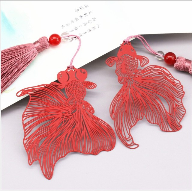 Free Shipping Bookmark Metal 20PCS Bookmarks For Books Wedding Return Gifts Kids Birthday Party Red Goldfish Gift Box