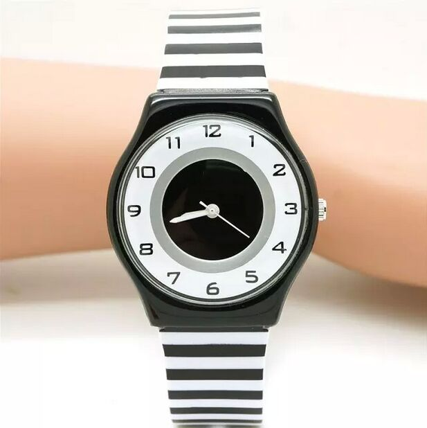Creative Children Watches Fashion Black White Stripe Dial Transparent Silicone Strap Lovely Cute Quartz Watches For Children